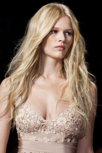 549a08a56bc74_-_nway-hair-trends-loose-long-waves-ferretti-clp-rs15-6760-lg